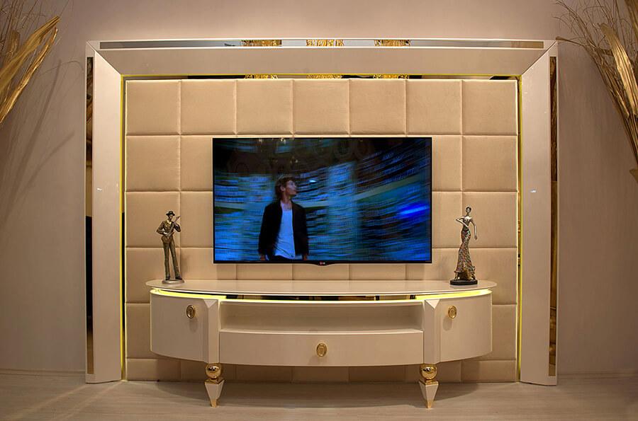 Bufet TV Lis Kaca Minimalis Mewah